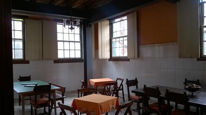 Brumas Ouro Preto Hostel - 欧鲁普雷图 - 餐馆