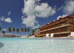 萨莱纳斯马塞约式度假村 - 马塞约 - 游泳池