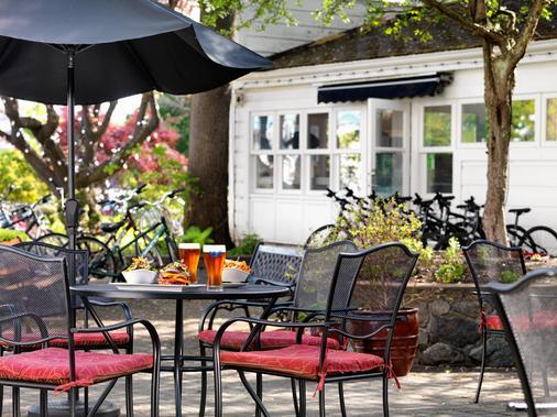 亨廷登庄园酒店 - 维多利亚 - 食物