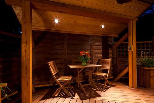 雪松之家餐厅小屋 - 戈尔登 - 阳台