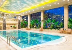 澳门置地广场酒店 - 澳门 - 游泳池