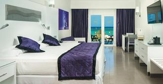 牙買加悅宜灣奢享飯店 - 僅限成人 - 蒙特哥贝 - 睡房