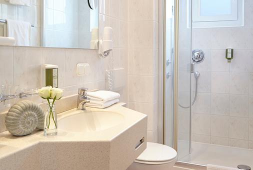 安科拉酒店 - 蒂门多弗施特兰德 - 浴室