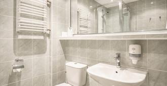 桑盖特机场酒店 - 华沙 - 浴室