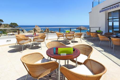 雷马格兰高级Spa酒店 - 滨海托萨 - 酒吧