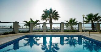 密特西斯维塔海滩酒店 - 罗德镇 - 游泳池