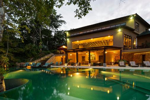 拉斯拉古诺斯精品酒店 - 弗洛雷斯(弗洛里斯) - 游泳池