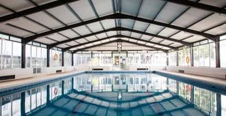 大酒店唐璜度假村 - 罗列特海岸 - 游泳池