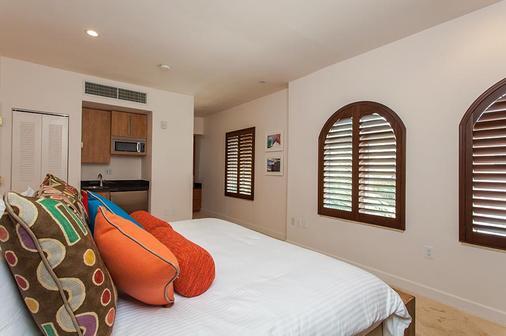 维多利亚卡萨兰花酒店 - 迈阿密海滩 - 睡房