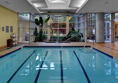 巴克黑德庭院酒店 - 亚特兰大 - 游泳池
