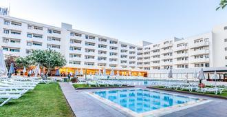圣欧拉利娅酒店&Spa - 阿尔布费拉 - 游泳池