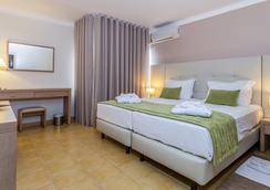 圣欧拉利娅酒店&Spa - 阿尔布费拉 - 睡房