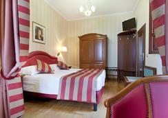 迪斯帕格纳广场酒店 - 罗马 - 睡房