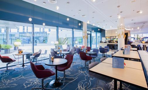 汉堡安普里奥斯堪酒店 - 汉堡 - 酒吧