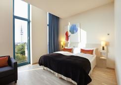 汉堡安普里奥斯堪酒店 - 汉堡 - 睡房