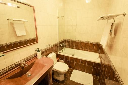 维瓦酒店 - 哈尔科夫 - 浴室