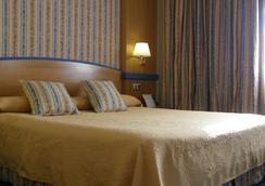 格兰维尔塞斯酒店 - 马德里 - 睡房