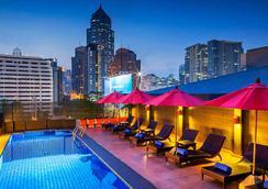 素坤逸丽亭酒店 - 曼谷 - 游泳池