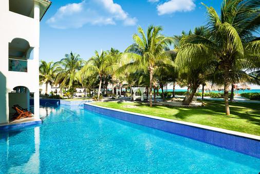 卡利斯玛埃尔多拉多皇家水疗度假村--仅成人 - 卡曼海灘 - 游泳池