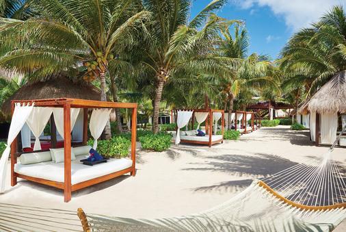 卡利斯玛埃尔多拉多皇家水疗度假村--仅成人 - 卡曼海灘 - 海滩