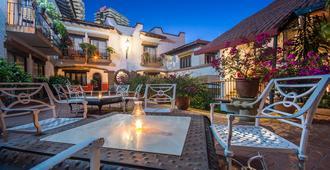 布埃纳文图拉庄园墨西哥魅力酒店 - - 巴亚尔塔港 - 露台