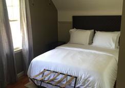 尼亚加拉瀑布小意大利酒店 - 尼亚加拉瀑布 - 睡房