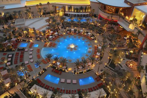 红岩赌场Spa度假酒店 - 拉斯维加斯 - 游泳池