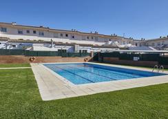 普拉特德阿罗酒店 - 萨卡罗 - 游泳池