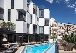 琼先生酒店 - 伊维萨镇 - 游泳池