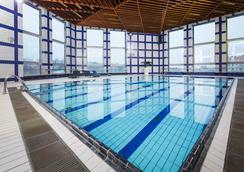 奥雷阿金字塔酒店 - 布拉格 - 游泳池