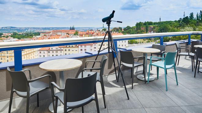 奥雷阿金字塔酒店 - 布拉格 - 阳台