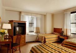 纽约市宾夕法尼亚酒店 - 纽约 - 睡房