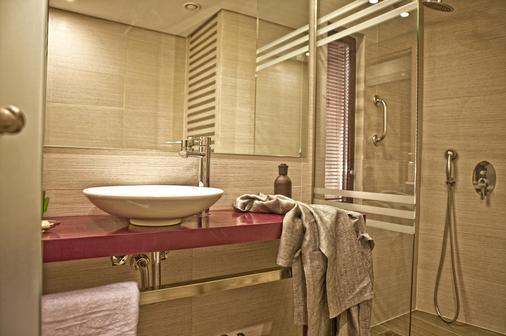 雅典诺瓦斯城酒店 - 雅典 - 浴室