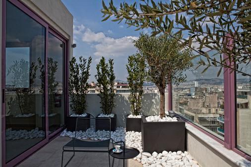 罗弗斯酒店 - 雅典 - 露台