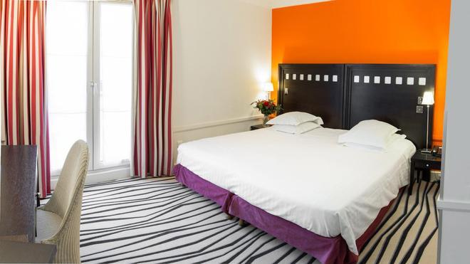 多尼克比亚丽兹豪华酒店 - 比亚里茨 - 睡房