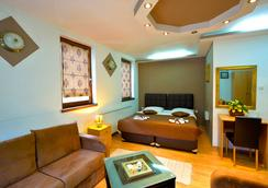 山姆社菲姆旅馆 - 萨拉热窝 - 睡房