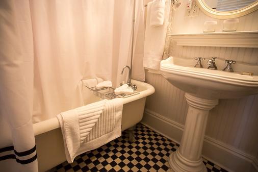 马歇尔豪斯酒店 - 萨凡纳 - 浴室