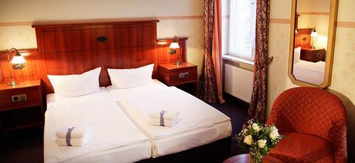 阿勒泰贝林酒店 - 柏林 - 睡房