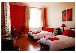 马其顿酒店 - 伦敦 - 睡房