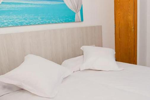 帕诺拉米克公寓酒店 - 伊维萨镇 - 睡房