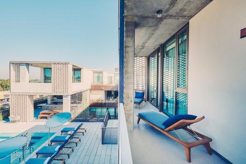 南国会区酒店 - 奥斯汀 - 阳台