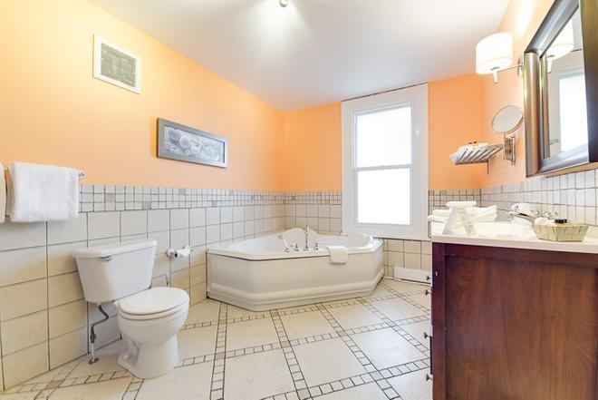 塔林城堡酒庄酒店 - 魁北克市 - 浴室