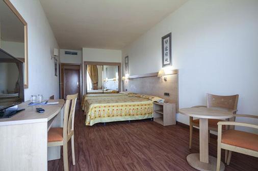 贝纳尔马德纳最佳酒店 - 贝纳尔马德纳 - 睡房