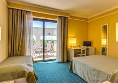 赛尔瓦拉公园酒店 - 罗马 - 睡房