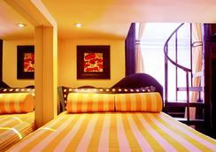 国际舒适旅馆 - 纽约 - 睡房