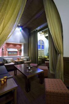 安达卢西亚酒店 - 阿尔伯克基 - 客厅