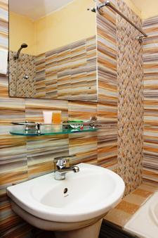 加德满都生态酒店 - 加德满都 - 浴室