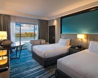 艾因丽笙蓝标酒店 - 艾恩 - 睡房
