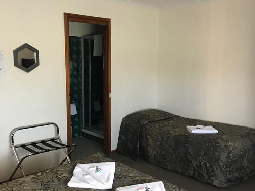 依鲁卡汽车旅馆暨餐厅 - 阿波罗贝 - 睡房