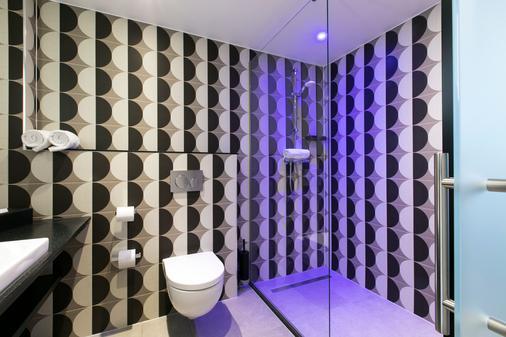 鹿特丹萨伏伊罕布什尔酒店 - 鹿特丹 - 浴室